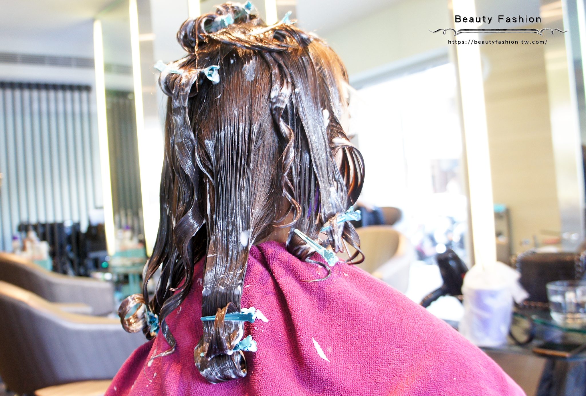 夏森髮型、台中護髮、燙中護髮