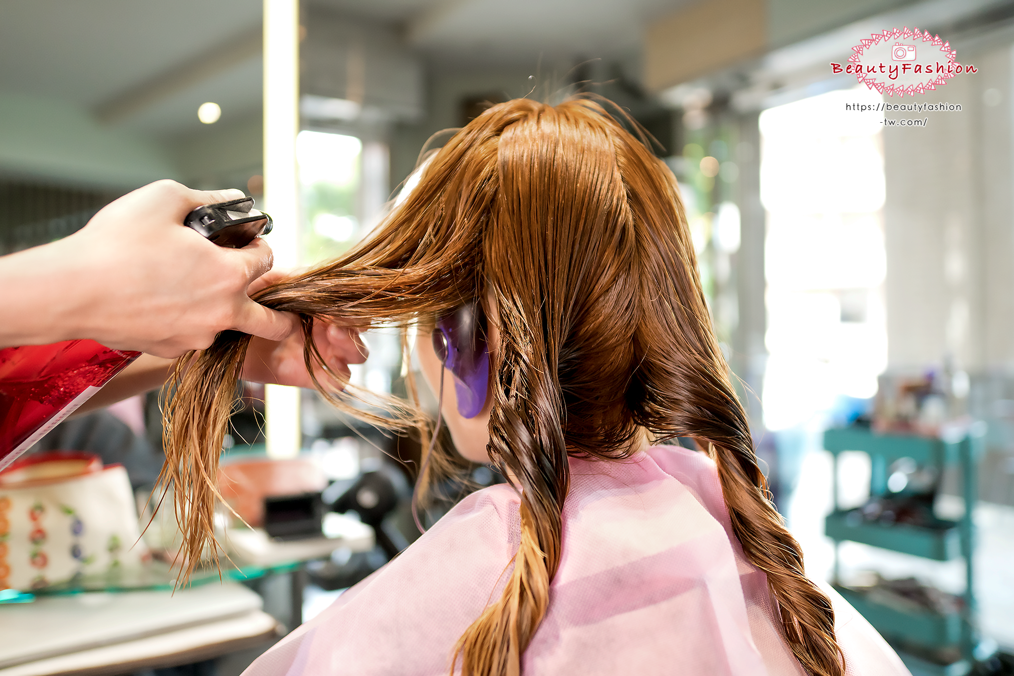 台中染髮、台中燙髮、台中美髮、夏森髮型、深層護髮